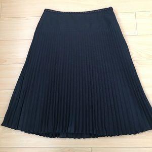 Ann Taylor women US SZ 2 black accordion skirt